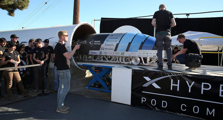 SpaceX/Tesla's Hyperloop pod will attempt to reach 1/2 speed of sound